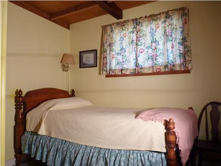 Wellfleet Cape Cod vacation rental - Middle bedroom