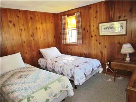 Truro Cape Cod vacation rental - A bedroom (two twin beds)