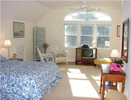 Chatham Cape Cod vacation rental - …and spacious sitting area with television