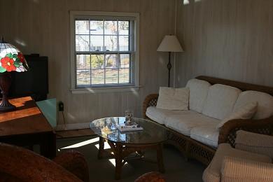 Mashpee, Popponesset Beach House Cape Cod vacation rental - Living room