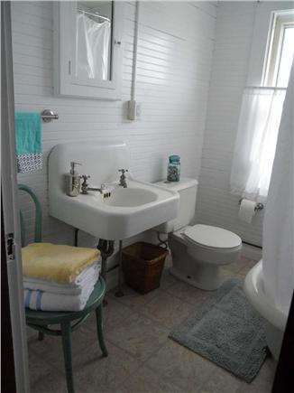 Falmouth, Maravista / Bristol Beach Cape Cod vacation rental - Updated bath with clawfoot tub