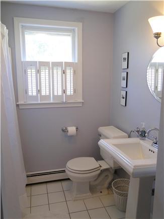 Chatham Cape Cod vacation rental - Main floor full bathroom