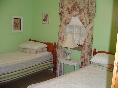 Mashpee, Popponesset Beach Cape Cod vacation rental - Twin Bed Room