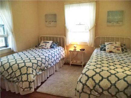 Chatham Cape Cod vacation rental - One of the twin bedrooms