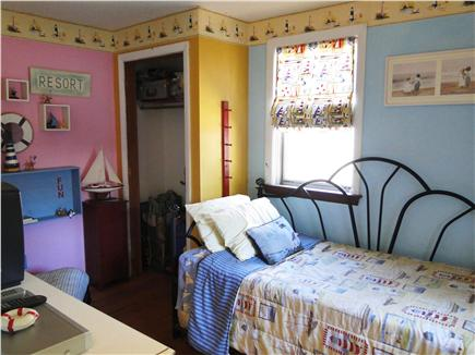 Dennisport Cape Cod vacation rental - Twin day bed and futon