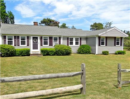 West Yarmouth crowell and seag Cape Cod vacation rental - Cape Cod ranch style home- walk to beach