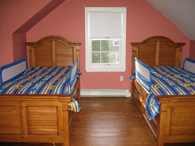 Downtown Chatham Cape Cod vacation rental - Twin Bunk Beds with pull out trundle for third twin
