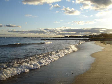 Hyannis Cape Cod vacation rental - Beach is so close by!