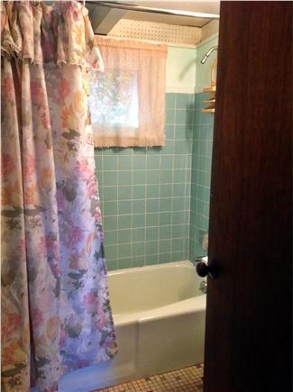 Wellfleet Cape Cod vacation rental - Indoor Shower