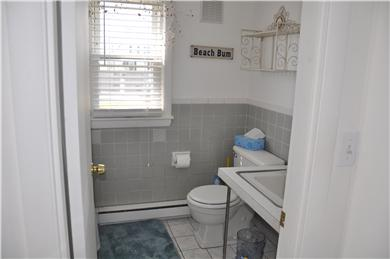 Hyannis Cape Cod vacation rental - Bathroom with full tub