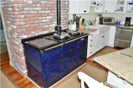 New Seabury New Seabury vacation rental - Granite island with stools, stainless appliances & English stove