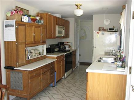 Old Village, Chatham Cape Cod vacation rental - Full equipped kitchen