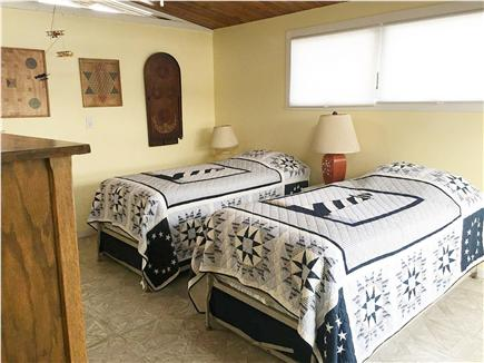 Centerville Centerville vacation rental - Twin beds with trundles under each