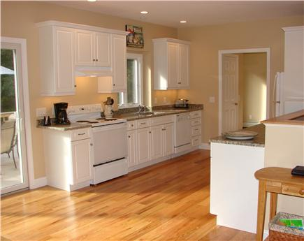 West Brewster / East Dennis  Cape Cod vacation rental - Modern appliances, granite counter tops, all new in 2010