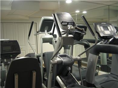 Kingston MA vacation rental - Lifting weights makes you bigger and this gym keeps your figure!