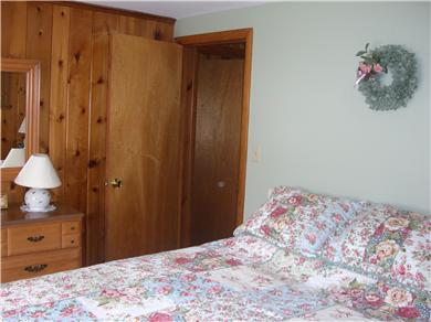 Mashpee, Popponesset Cape Cod vacation rental - Queen Bedroom with New Mattress and Bedding