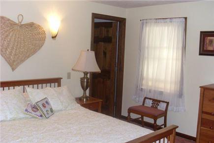 Sagamore Beach, Bourne Sagamore Beach vacation rental - First Floor Master Bedroom with Queen Bed & Bath