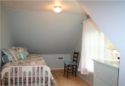 Brewster, Linnell Landing beach area, Br Cape Cod vacation rental - Second floor bedroom with trundle beds, sleep two