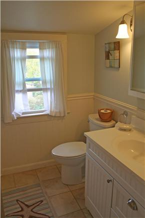 Brewster, Linnell Landing beach area, Br Cape Cod vacation rental - Second floor 1/2 bathroom
