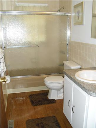 Dennisport Cape Cod vacation rental - bright and spotless full bathroom