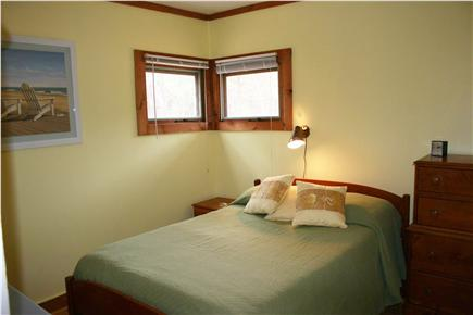 N.Truro Cape Cod vacation rental - Mello Yellow Bedroom