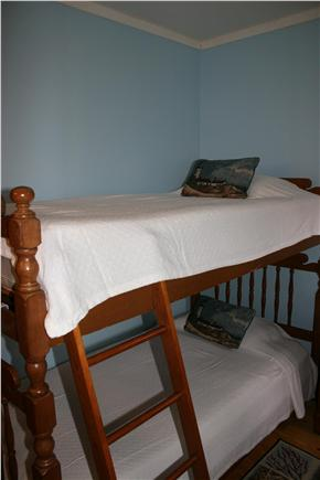 N.Truro Cape Cod vacation rental - Blue Skies Bunk room