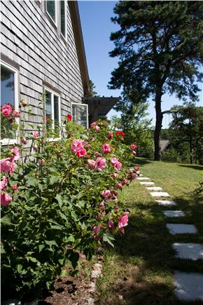 Wellfleet Cape Cod vacation rental - Approach to front entry