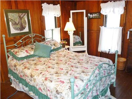 Falmouth Heights Cape Cod vacation rental - Comfortable front bedroom
