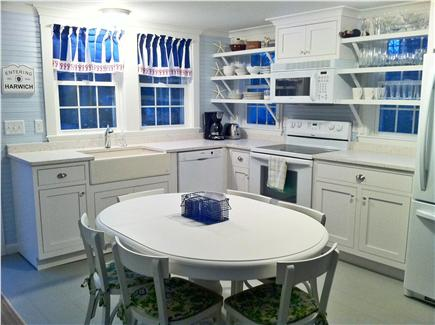 Harwich, Pleasant Lake Cape Cod vacation rental - Gorgeous 2012 Cottage-Style Kitchen.