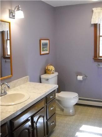 Wellfleet Cape Cod vacation rental - Upstairs bathroom