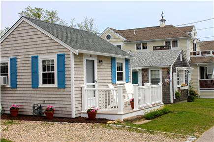 Mashpee Cape Cod vacation rental - Read a book, or enjoy an Iced Tea on the Front Porch