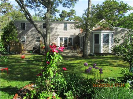 Chatham Cape Cod vacation rental - Back Yard - – flowers, flowers, flowers!