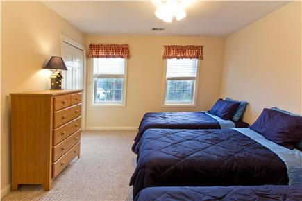 Mashpee Cape Cod vacation rental - Fifth Bedroom with 3 Twin Beds