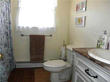 North Eastham Cape Cod vacation rental - Full bath with tub and handheld showerhead (1st floor)