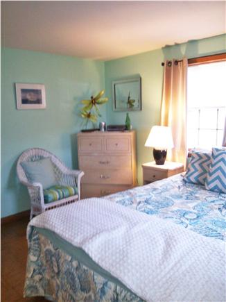 Dennis, 7 Poiticki rd Cape Cod vacation rental - Bedroom 3 - 1 Queen new spread, blankets and newer mattress