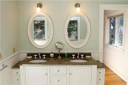 Orleans Cape Cod vacation rental - Masterbath
