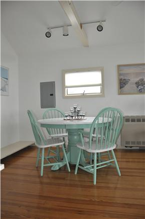 Plymouth / Manomet Manomet vacation rental - Clean and Fresh with bright sunshine and comfy seating!