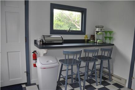 Plymouth / Manomet Manomet vacation rental - A nice breakfast bar for a quick snack before your morning walk!