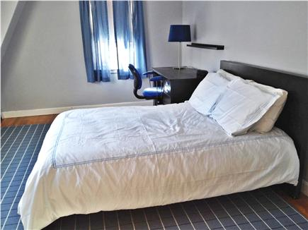 Osterville Osterville vacation rental - Full size bed with large closet and sunny windows