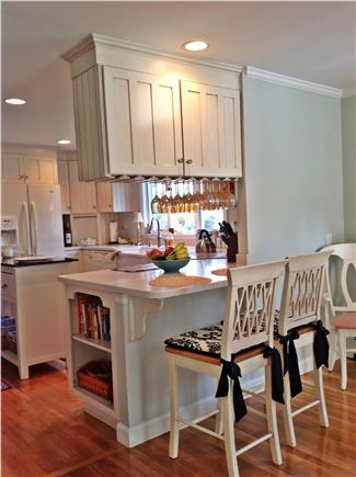 Osterville Osterville vacation rental - Kitchen breakfast bar for am coffee wilth sunny view of backyard