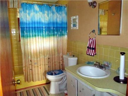 Dennisport Cape Cod vacation rental - Full bath