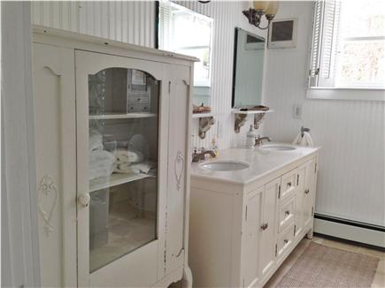 Yarmouth Cape Cod vacation rental - One of the full baths (shower and tub)