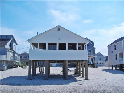 Manomet, Plymouth Manomet vacation rental - The beach is at the bottom of the stairs