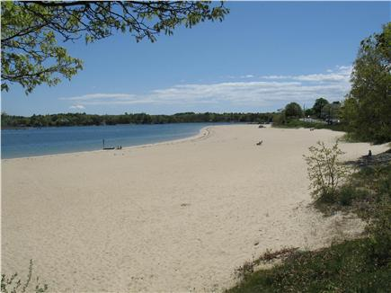 Onset MA vacation rental - Onset Beach Boat rentals, & Restaraunts  just a short walk away.