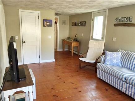 Manomet, White Horse Beach Manomet vacation rental - Spacious living room, plenty of seating, hardwood floor.