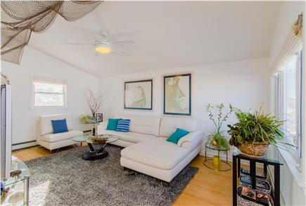 Plymouth MA vacation rental - Comfortable, bright and airy