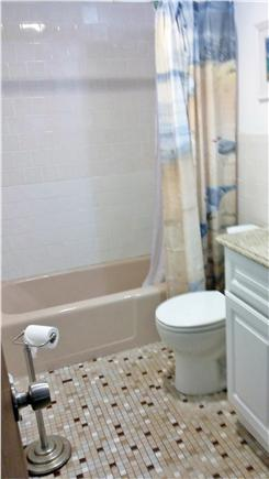 So. Yarmouth Cape Cod vacation rental - Bathroom with tub
