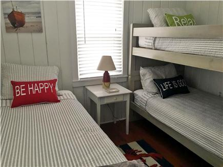Centerville, craigville Centerville vacation rental - 3rd bedroom twin w bunks