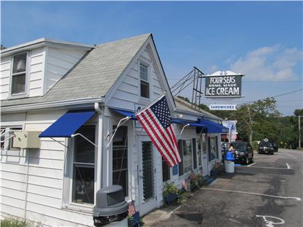 Centerville, craigville Centerville vacation rental - Walk to Four Seas ice cream