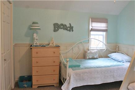 Dennis Cape Cod vacation rental - Bedroom 1 daybed (twin)